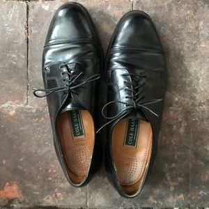 Cole Haan black leather oxfords